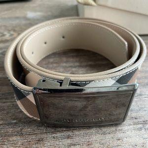 Women Burberry belt